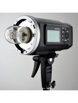 http://flashfotovideo.dk/media/catalog/product/a/d/ad600_bowens_a_1.jpg